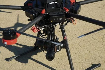 Drone graba video 360 sin cables con ayuda de Flying EYE