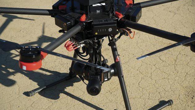 Drone graba video 360 sin cables con ayuda de Flying EYE